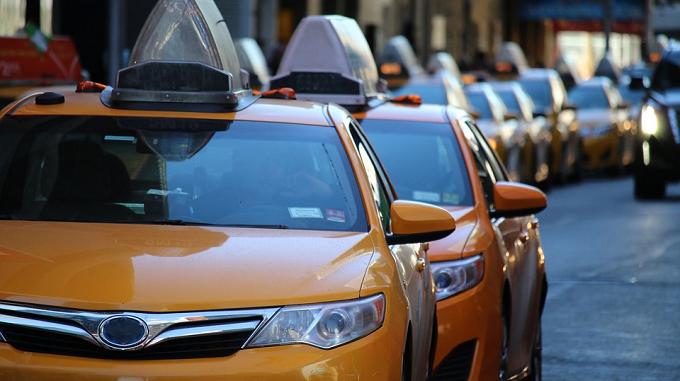 Taxistas de toda España - huelga contra Uber y Cabify