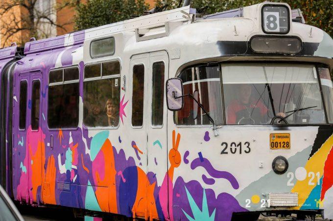 Timiş: Tramvaiul Revoluţiei a pornit prin Timişoara, în cadrul unui proiect al Asociaţiei TM2021
