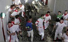Trei bărbați au fost împunși de tauri în prima zi a curselor din Pamplona