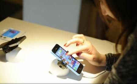 UE a ajuns la un acord cu privire la eliminarea tarifelor de roaming începând cu 15 iunie 2017