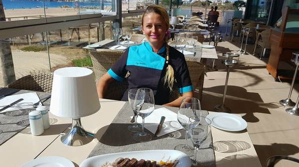 Un desert portughez, reinventat de o româncă pe malul Atlanticului. Vezi detalii