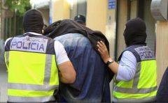 Un fost combatant al Statului Islamic, arestat în timp ce voia să cumpere arme în Spania