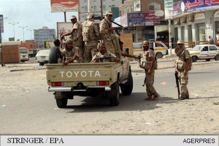 Un grup armat a ocupat o televiziune apropiată autorităților de la Tripoli