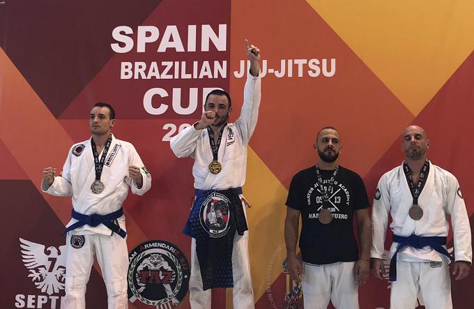 Un român din Spania cucerește AURUL la Jiu-Jitsu Brazilian. Mihai Alexandru Tiron, o poveste de viață admirabilă