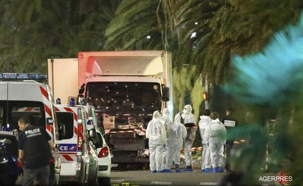 VIDEO-FOTO-Atentat-la-Nisa-O-mașină-a-intrat-în-mulțime-de-Ziua-Națională-a-Franței-Cel-puțin-73-de-persoane-au-murit-sute-de-răniți-șoferul-camionului-a-fost-împușcat-autorități-3