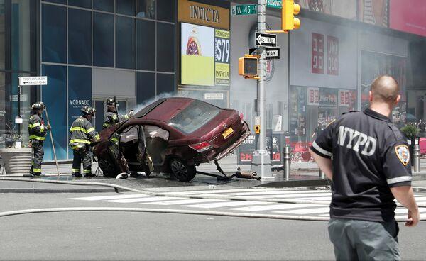 VIDEO: SUA - O mașină a intrat în pietoni în Times Square la New York; cel puțin 13 răniți