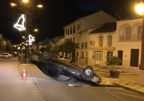 VIDEO: Un accidente de tráfico provoca un choque racial contra los rumanos en la localidad sevillana de Pedrera