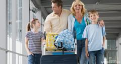 Vacanța de vară a început! Reguli pentru minorii care circulă în străinătate