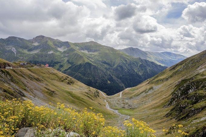 Vorbești urât despre România în străinătate? Vezi detalii despre o nouă lege