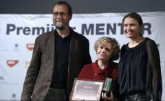 Zece profesori și antrenori din întreaga țară, laureați ai Premiilor Mentor pentru Excelență în Educație