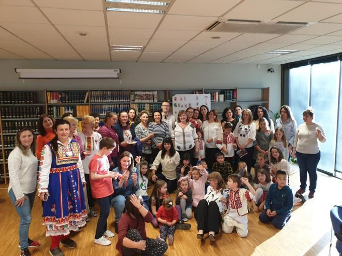 """""""Zilele Mărţişorului la Madrid"""": Atelier de confecționat mărțișoare, adresat copiilor"""