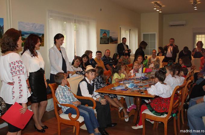 Ziua porților deschise la Ambasada României de la Madrid: cultură, tradiții și dansuri populare românești