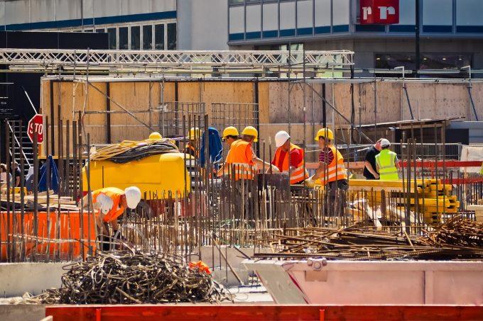 Şase din zece locuri de muncă ar putea dispărea în România, ca urmare a automatizării (raport)