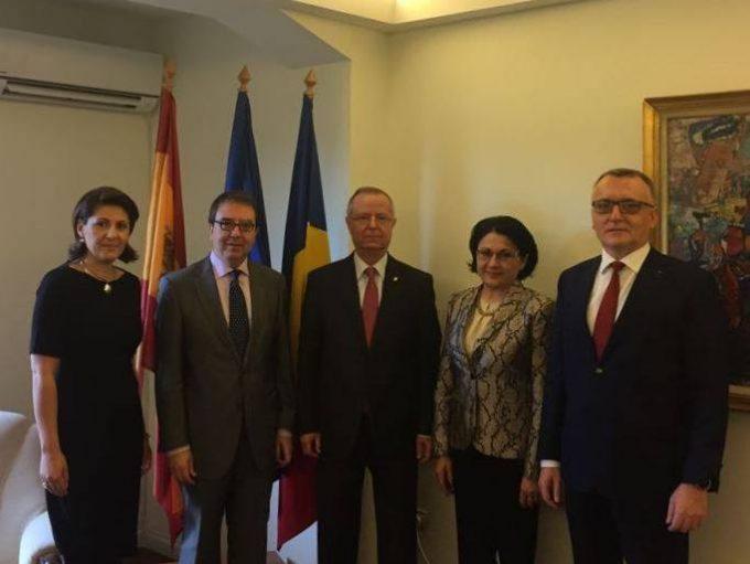 Întâlnirea ministrului educației naționale, dl. Pavel Năstase, cu rectorul Universității Alcalá, dl. Juan Fernando Galván Reula