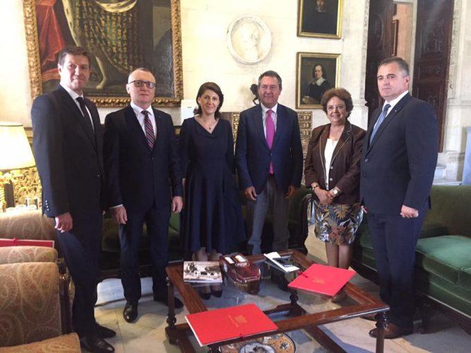 Întrevederea ambasadorului României cu primarul oraşului Sevilla