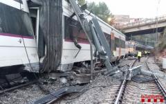 Spania: Un mort şi 49 de răniţi, după ce un tren de navetişti a deraiat în apropiere de Barcelona