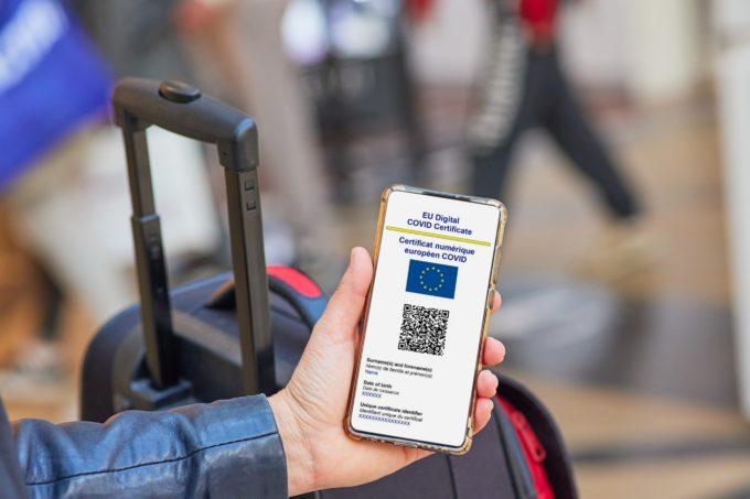 Întrebări frecvente legate de certificatul digital COVID european: Cine poate obține un certificat digital?