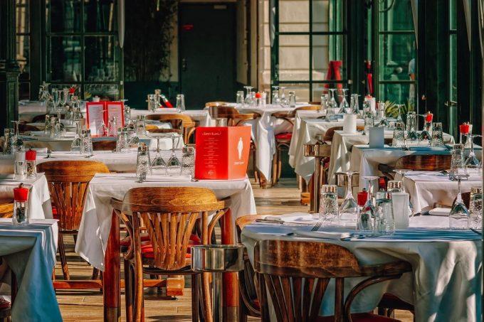 13% dintre barurile, hotelurile şi restaurantele din Spania s-au închis din cauza pandemiei