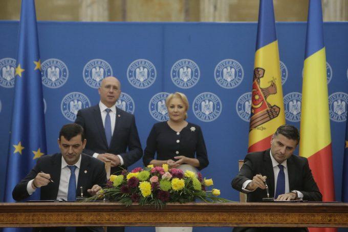 Acord de cooperare în turism şi declaraţie de intenţie privind tarifele de roaming, semnate după şedinţa de guvern româno-moldoveană