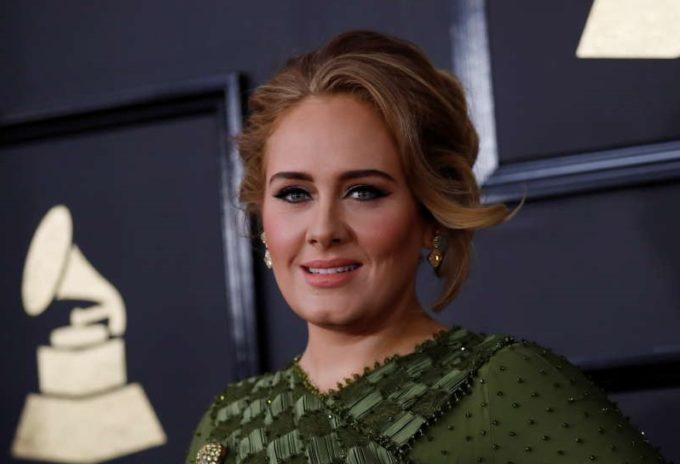 Adele rupe tăcerea cu privire la viaţa sa într-un interviu-confesiune pentru Vogue