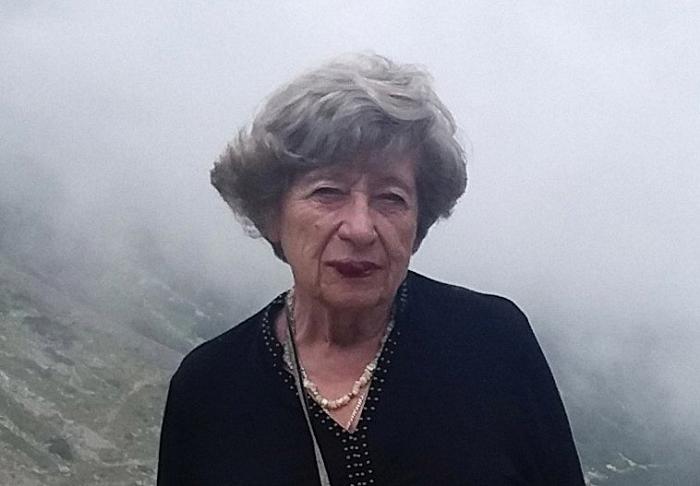 Adivinanzas, refranes y costumbres populares en la obra rumana de Ángela C. Ionescu