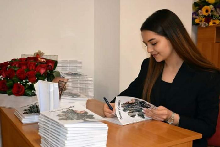 Alexandra-Valentina Ionică, o româncă scriitoare, cu bursă de studii Erasmus, laUniversitatea Complutense din Madrid - Rara Avis in Terris