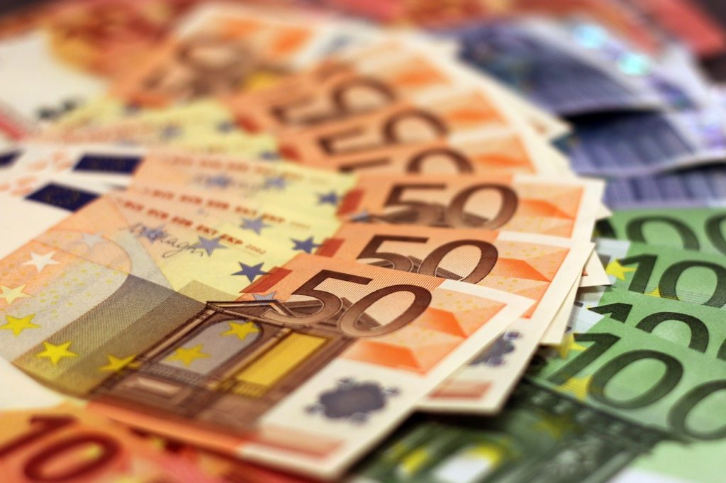 Anastasiu: Cred că ne vom îneca în atâţia bani europeni, pentru că nu ştim ce să facem cu ei şi nu vom absorbi nimic