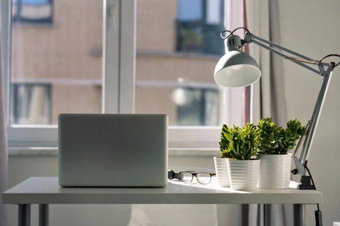 Angajaţii care lucrează de acasă reprezintă 60% din forţa de muncă la nivel global (sondaj Accenture)