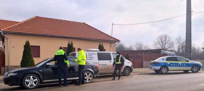 Arad: Un sfert dintre vehiculele verificate de RAR în trafic, cu defecţiuni sau probleme cu actele