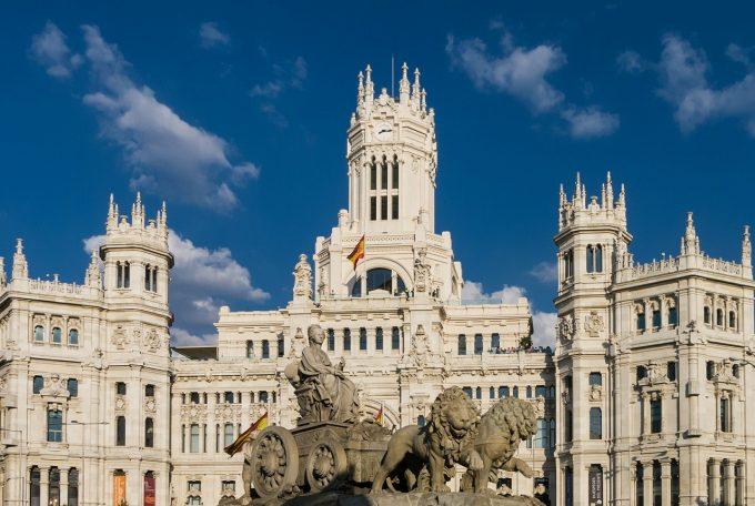 Ariile de dezvoltare, regenerarea urbană şi Legea urbanismului - discutate la Madrid de Gabriela Firea