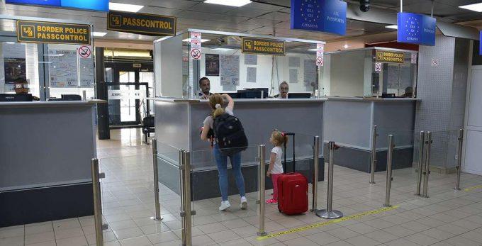 Atenţie la documentele de călătorie ale copiilor! Care sunt documentele necesare pentru minori?