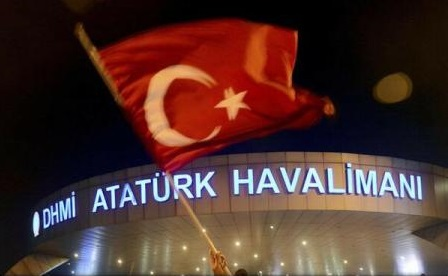 Atentat la Istanbul: Doi cetățeni străini arestați pe aeroportul Atatürk (presă)