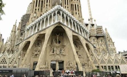 Atentate în Spania: Un suspect recunoaște că celula teroristă intenționa să atace Sagrada Familia din Barcelona