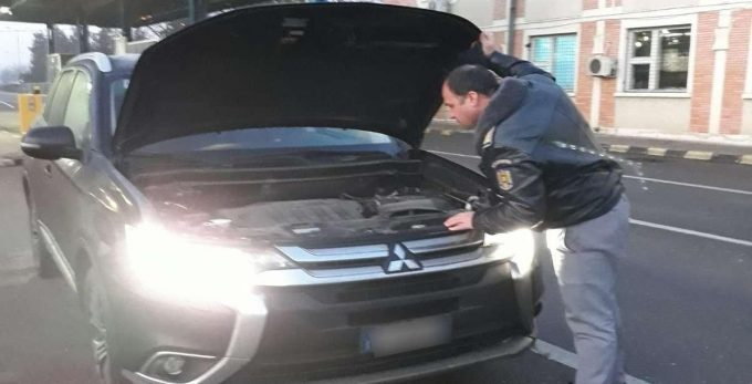 Autoturism semnalat furat din Italia, depistat la controlul de frontieră