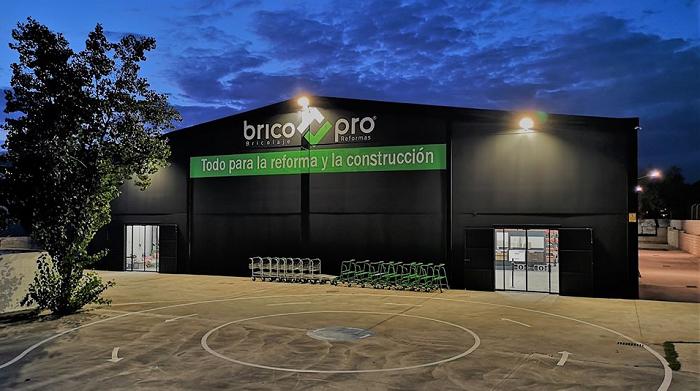 BRICO PRO: Un nou concept în domeniul materialelor de construcții și reforme (amenajări)