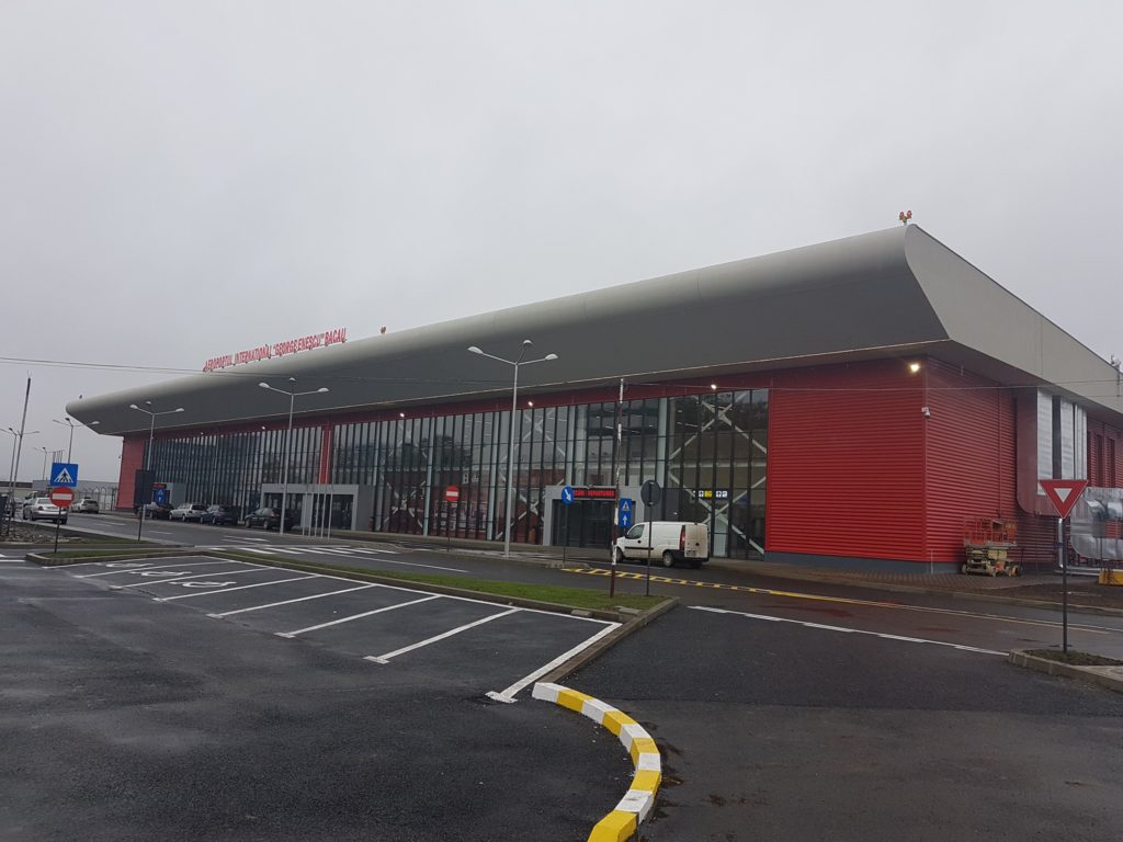 Bacău: A fost redeschis Aeroportul Internaţional ''George Enescu''