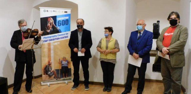 Bihor: Lucrările premiate la primul concurs mondial al Centrelor expoziţionale FIAP, în Expoziţia 600, la Oradea