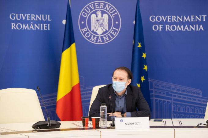 Cîţu: În România nu se va aplica certificatul verde, românii vor putea merge în vacanţă