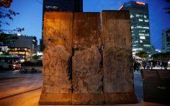 Căderea Zidului Berlinului/ Unde pot fi văzute astăzi în lume bucăţi din fosta barieră de beton