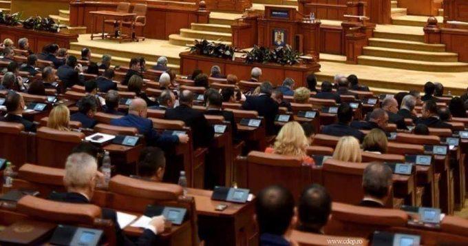 Calendarul formării unui nou guvern: Moţiunea de cenzură a fost adoptată
