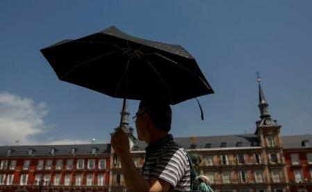 Caniculă în Spania: Pe fondul temperaturilor de peste 40°C, unii elevi au fost transferați într-un stabiliment funerar
