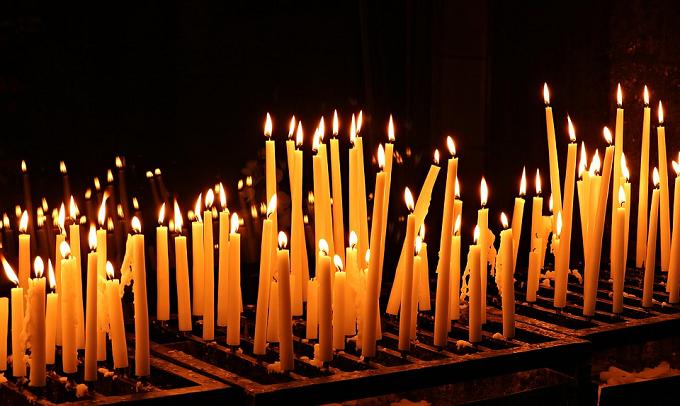 Caracal: Episcopia Slatinei face apel la rugăciune pentru victimele tragediei de la Caracal