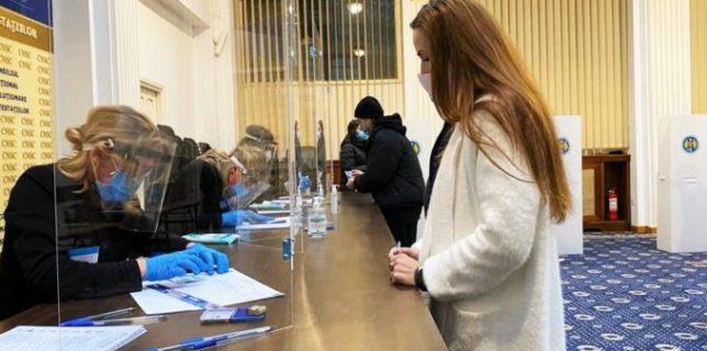 Ce spun agenţiile de presă internaţionale despre alegerile parlamentare din România?