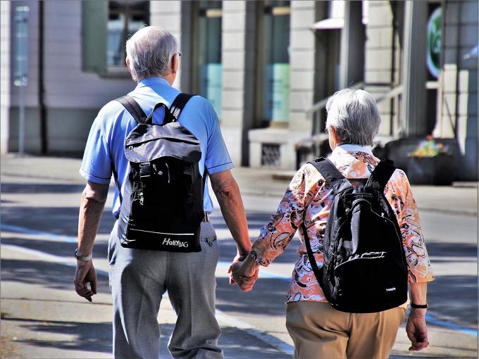 Ce trebuie să facă pensionarii români stabiliți în străinătate, conform noii legi a pensiilor