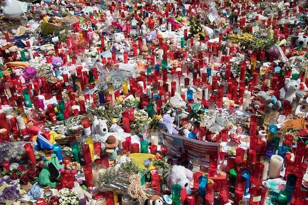 """Chiar așa? """"Singurii responsabili pentru atentate sunt teroriștii"""" - Íñigo Méndez de Vigo"""