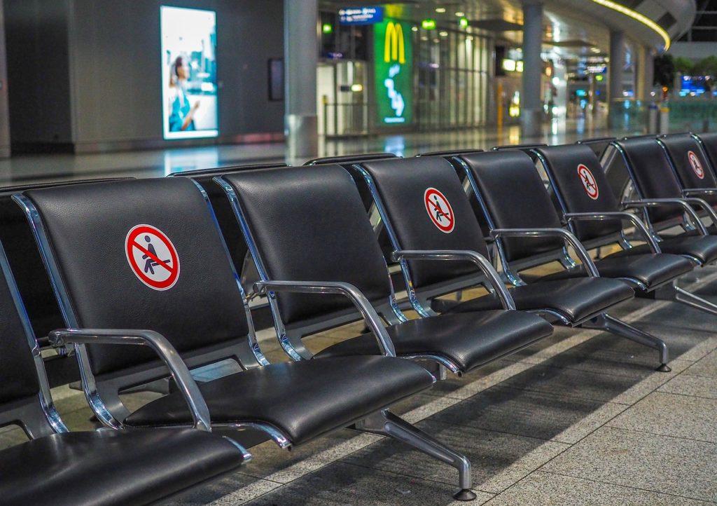 Comisia Europeană propune o adeverinţă electronică verde pentru a facilita libera circulaţie