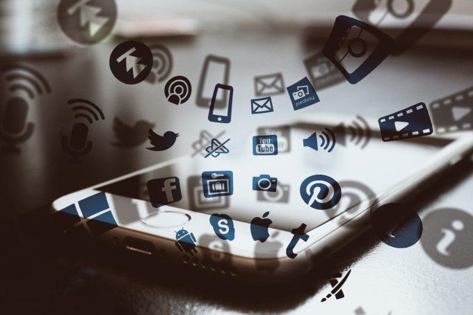 Comisia Europeană solicită României să pună în aplicare legislaţia UE în domeniul digital şi al mass-mediei