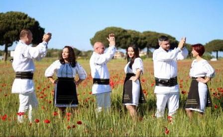Corala românească Arpeggio & Roua concertează duminică la Roma