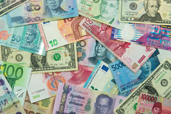Cum scăpăm de capcana cursului valutar?