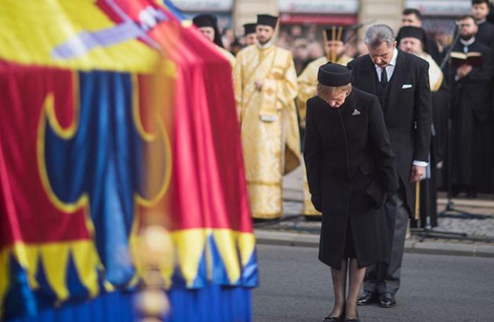 Custodele Coroanei, către români: Vă mulţumesc pentru forţa iubirii voastre şi pentru ataşamentul arătat Regelui
